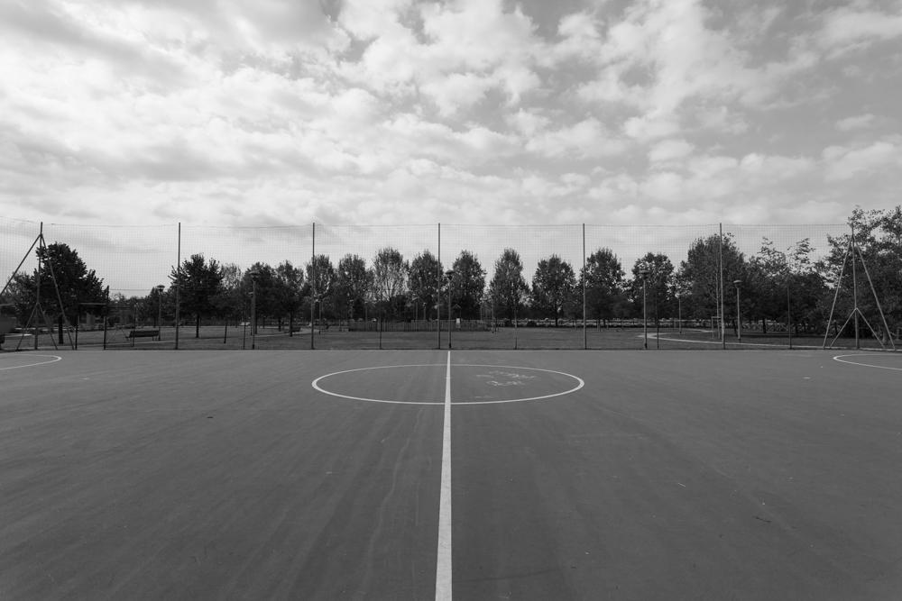 Milano, campo sportivo alla Barona